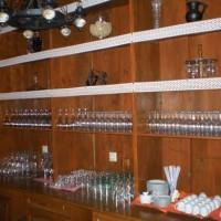 A villányi Vinatus pince és fogadó, vendéglő bútorzata - 5