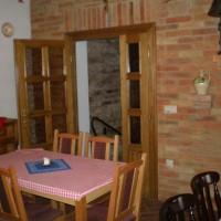 A villányi Vinatus pince és fogadó, vendéglő bútorzata - 1