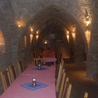 A villányi Vinatus pince és fogadó, vendéglő bútorzata - 11