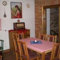 A villányi Vinatus pince és fogadó, vendéglő bútorzata - 9
