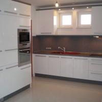 Egyedi beépített konyhaszekrény a Nemes Bútortól -60