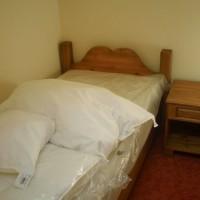 Szimpla ágy matraccal és éjjeliszekrénnyel a Nemes Bútortól -12