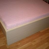 Franciaágy matraccal és éjjeliszekrénnyel a Nemes Bútortól -5