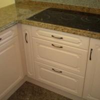 Egyedi konyhaszekrény beépített sütővel a Nemes Bútortól -82