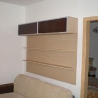 Könyvespolc ágy fölé egyedi igény alapján a Nemes Bútortól -8