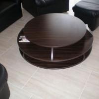 Kör alakú dohányzóasztal polcokkal nappaliba a Nemes Bútortól -1