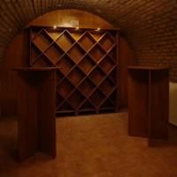Bortároló polc borospincébe egyedi igény alapján a Nemes Bútortól -6