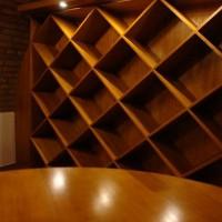 Bortároló polc borospincébe egyedi igény alapján a Nemes Bútortól -4