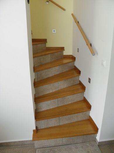 lépcső és korlát egyedi igény alapján a Nemes Bútortól -3