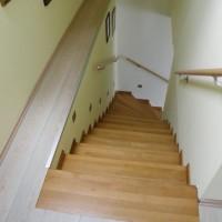 Fa lépcső és korlát egyedi igény alapján a Nemes Bútortól -2