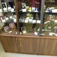 A balatonfüredi Nemzeti Dohánybolt árubemutató bútorai - 6