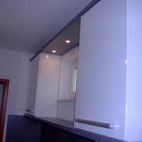 Egyedi tükrös polc és szekrény fürdőszobába a Nemes Bútortól -1