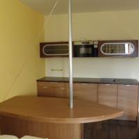 Egyedi hajós étkezőasztal és konyhaszekrény a Nemes Bútortól -109