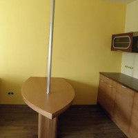 Egyedi hajós étkezőasztal és konyhaszekrény a Nemes Bútortól -110